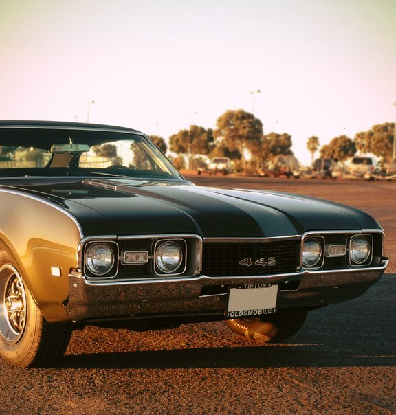 Oldsmobile 442 Holiday Coupe '1968