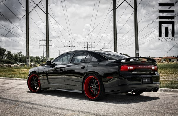Dodge Charger SRT8.