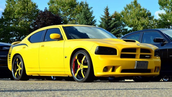 Dodge SRT8 Charger Super Bee
