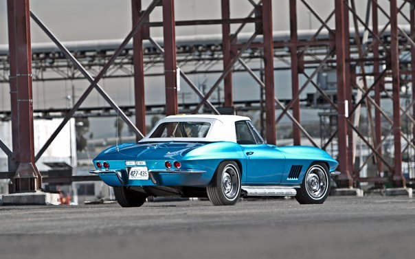 1967 Shelby GT500 vs 1967 Chevrolet Corvette Sting Ray 427