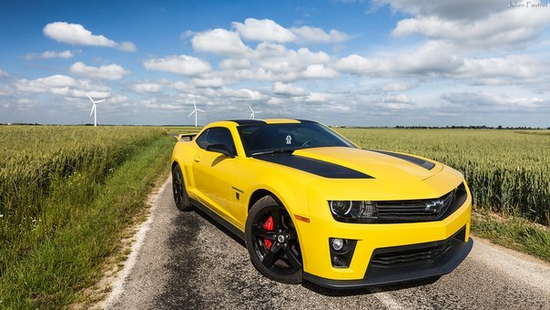 Chevrolet Camaro SS Transformers Edition 2012 with ZL1 front.